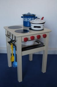 upcycled-play-kitchen