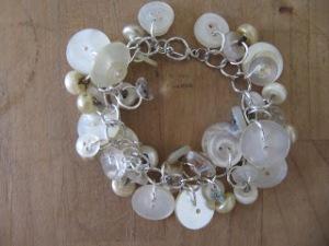 button bracelet 062